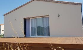 Terrasse en bois exotique entre Saintes et Royan
