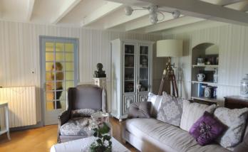 Rénovation maison : un salon qui invite à la détente à Jonzac