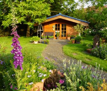 Allée et aménagement de jardin